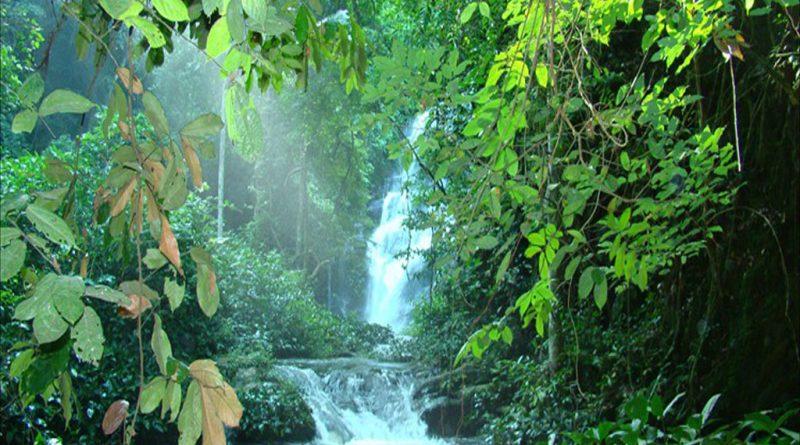 Petite cascade Akloa, G.Ségniagbéto